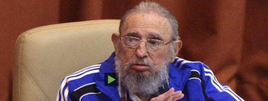 Con este chándal explica el decrépito Fidel Castro por qué se hizo comunista