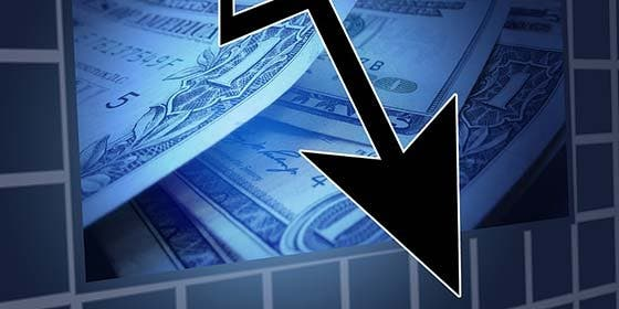 El Ibex pierde un 1,26%, hasta los 8.292,9 puntos, lastrado por la banca