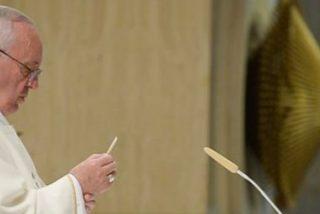 """Francisco: """"La persecución es el pan cotidiano de la Iglesia"""""""