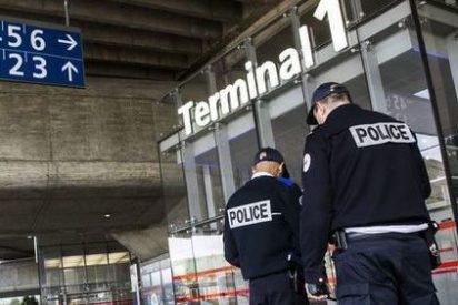 Un niño de 8 años lleva 10 días retenido y solo en un aeropuerto de París