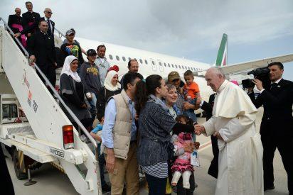 ¿Quiénes son los refugiados acogidos por el Papa?