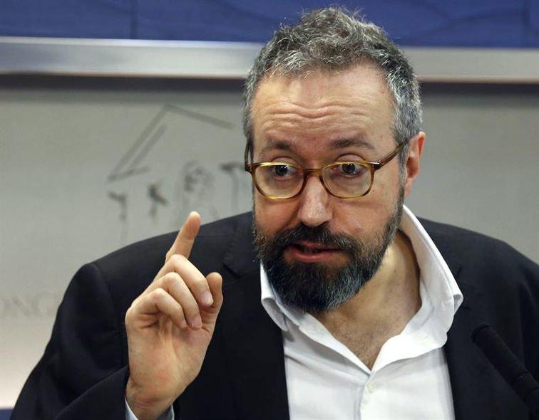 """Juan Carlos Girauta:""""Rajoy vive enrocado y no es la persona que pueda liderar la regeneración profunda que España necesita"""""""