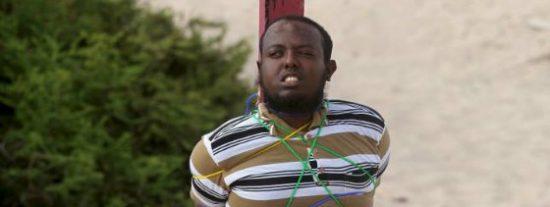 El fusilamiento del bizco terrorista islámico que mató a cinco periodistas