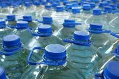 Restos fecales humanos en agua mineral causaron el brote de gastroenteritis masivo en Cataluña