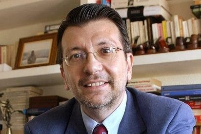 """""""Sáenz de Santamaría menosprecia a los vicesecretarios del PP como portavoces de plató"""""""