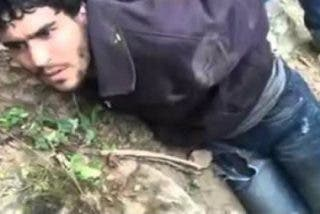 [VÍDEO] Los 'caza-inmigrantes' que atan a musulmanes de pies y manos