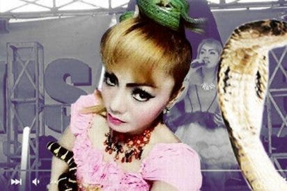 La cantante Irma Bule muere en pleno concierto mordida por una cobra