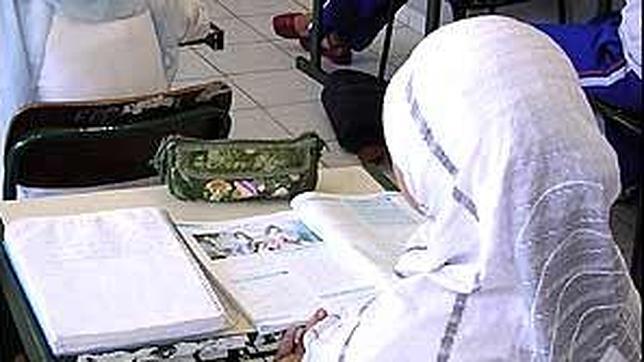 Educación podría impartir clase de Religión islámica en los institutos de Ceuta y Melilla