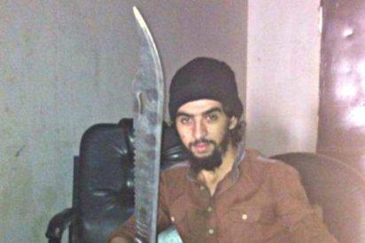 La Guardia Civil descubre en Ceuta un arsenal de armas junto a una bandera del ISIS