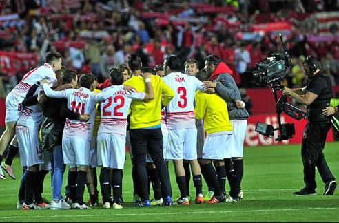 La celebración en el vestuario del Sevilla 'subió los humos' del Athletic
