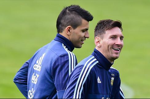 La promesa que le ha hecho el Kun Agüero a Leo Messi