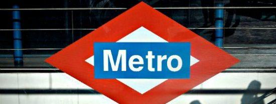 Cuatro rateros dan una paliza de muerte a un policía nacional en el Metro de Madrid... ¡y los dejan libres!