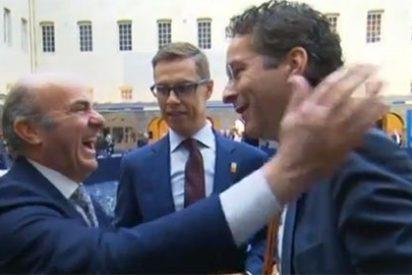 La sonora carcajada de Luis de Guindos cuando le plantean que España abogue por la gran coalición