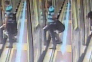 El vídeo de la mujer meando en el metro de Barcelona: la gota que colma el vaso