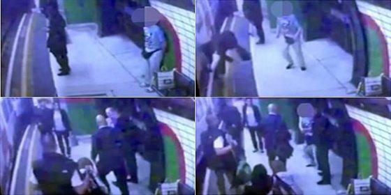 Así empuja el perverso anciano calvo a una extraña a las vías del metro