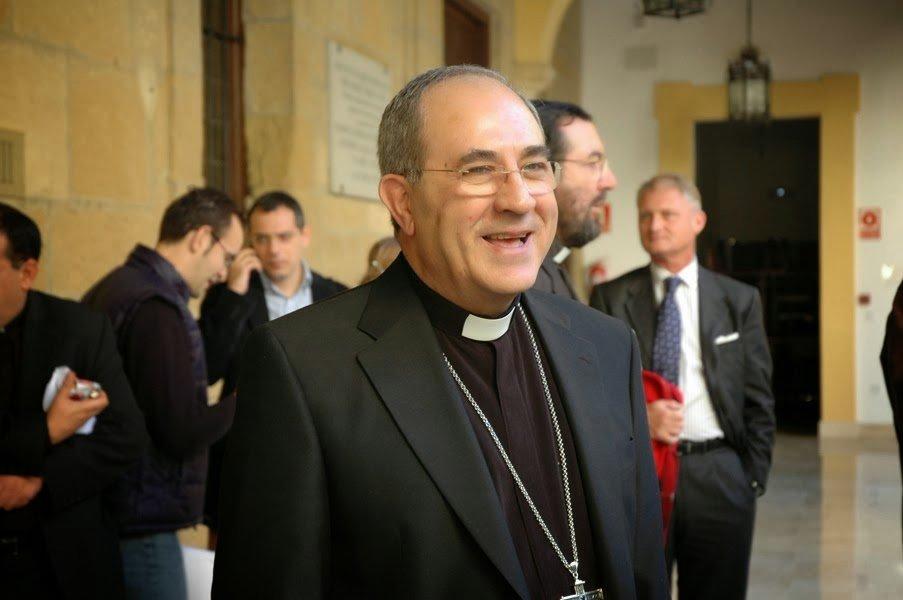 Juan José Asenjo medita presentar su renuncia al Papa por motivos de salud