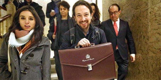 """Antonio Burgos sobre Pablo Iglesias y los diputados vagos: """"¿Devolverá la pasta el que trincó la cartera de Loewe por no dar un palo?"""""""