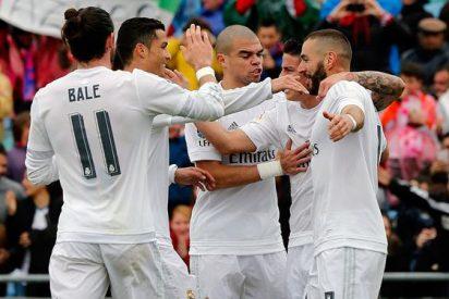 Música y champán en el Real Madrid al son del hundimiento del Barça