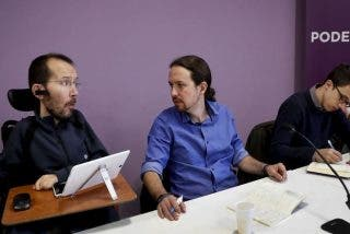 La UDEF no traga que 'penitentes' que las pasan moradas para llegar a fin de mes sean donantes de Podemos