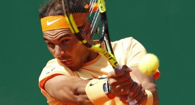 Rafa Nadal despacha a Fognini, después de dar cuerda al italiano y mucha emoción