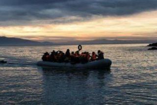 El Papa de las islas-refugio lleva un rayo de esperanza a los desesperados