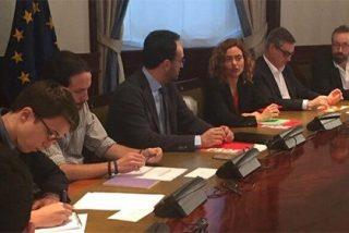 ¿Necesitan C'S, Podemos y PSOE dos horas y media de reunión para no llegar a un acuerdo?
