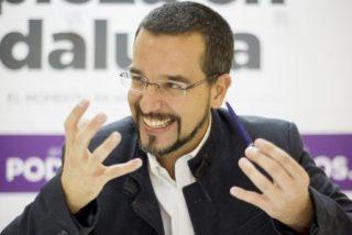 No contento con haberle guillotinado y humillado públicamente, Pablo Iglesias niega ahora el saludo a Sergio Pascual