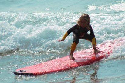 Cursos de surf en galicia: un plan diferente para las vacaciones de verano