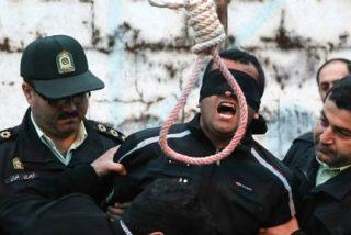 Irán: Así ahorca el régimen de los ayatolas al reo y asi se resiste a morir el desventurado