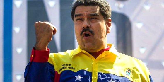 Así recomienda Maduro por TV y en horario infantil ver una película erótica