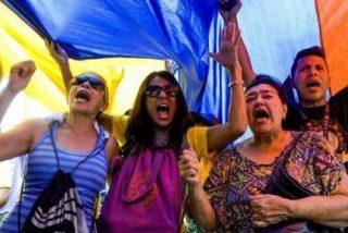 El chavista Maduro saca los carros blindados a la calle para frenar la marcha hacia la libertad del pueblo venezolano