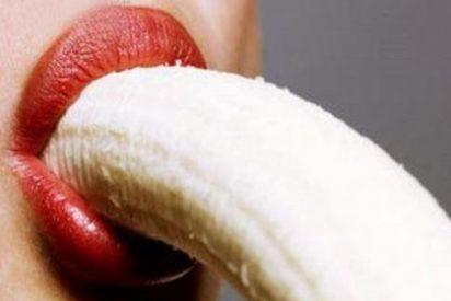 """China prohíbe comer plátanos """"de forma seductora"""" en Internet"""