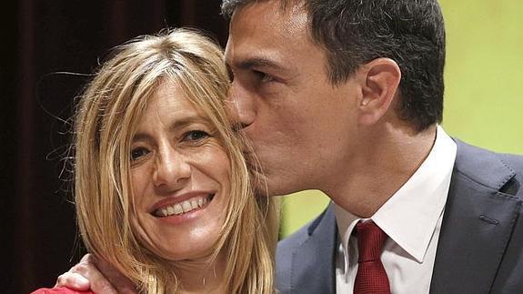 Ojo con el 'presidente' del Frente Popular: su mujer es socia y directiva de una empresa que paga 400 euros al mes por 40 horas semanales