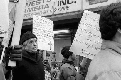 Fallece Daniel Berrigan, el jesuita que se opuso a la guerra de Vietnam