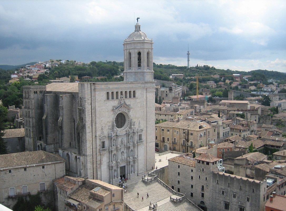 El obispo de Girona aparta a un cura por presuntos abusos sexuales a una menor en 1989