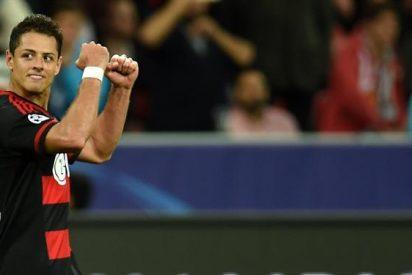 Chicharito se queda en el Leverkusen