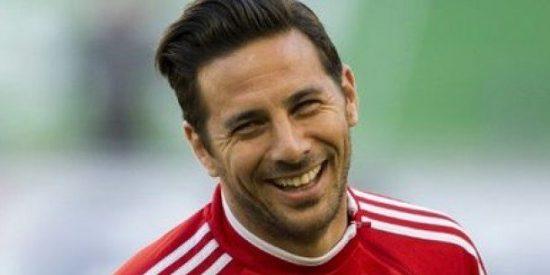 Werder Bremen con Pizarro empató y complica su permanencia en la Bundesliga