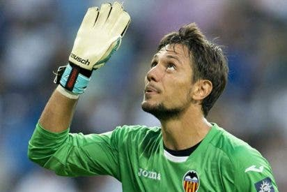 Diego Alves: El portero que el Valencia ha puesto en el mercado tras la reuniones en Singapur