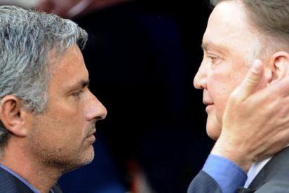 El Manchester United quiere a Van Gaal y Mourinho juntos