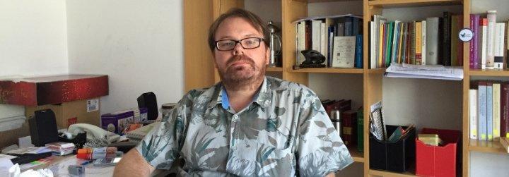 """Mike van Treek: """"La religión es un instrumento para moderar la violencia"""""""