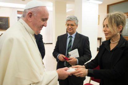 Presentaron el libro-entrevista de Tornielli a Francisco