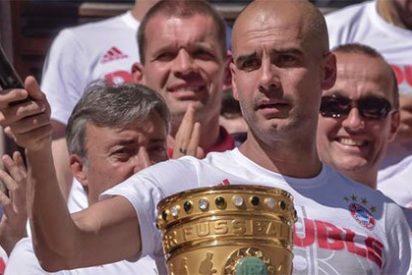 """A Guardiola se le atraganta su adiós al Bayern: los aficionados alemanes le despiden cantando """"¡Que viva España!"""""""