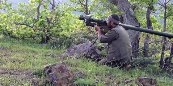 [VÍDEO] Con este misil derriba el miliciano kurdo un helicóptero turco