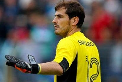 """Casillas: """"Con Beckham hablo a menudo, pero me quedo en el Oporto"""""""