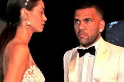 Dani Alves se casa en secreto en París con la modelo tinerfeña Joana Sanz