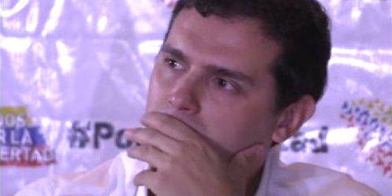 Rivera agita en Venezuela el 'monedero' de Podemos... ¡y sale Maduro echando pestes!