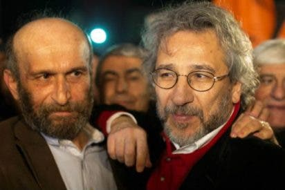 Una ensalada de tiros y 5 años de cárcel por contar lo que no gusta al turco Erdogan que se sepa