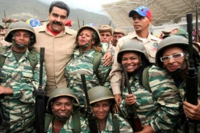 La milicia bolivariana alza sus fusiles para que Maduro no tenga un gatillazo
