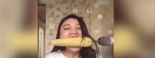 Así se queda calva intentando comer una mazorca de maíz con un taladro