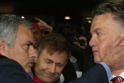 ?Mourinho ha apuñalado a Van Gaal por la espalda?